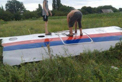 Unconfirmed image of MH17 wreckage