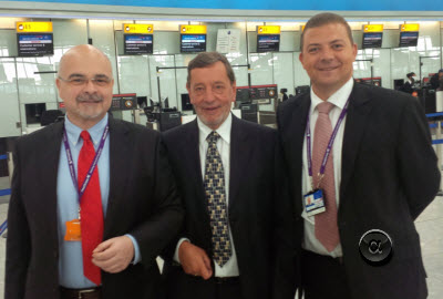 Roberto Castiglioni (left) with David Blunkett (centre) visiting Heathrow T5