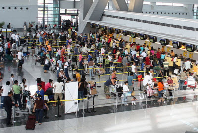 Check in queue at Manila International Airport